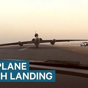 """The U-2 Spy Plane Lands With A """"Controlled Crash"""" Every Time - YouTube"""