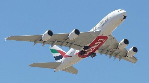 AirbusA380EmiratesA6-EDAYMML.JPG_thumb.30ad645adba6d381d52e3a7801944b53.JPG