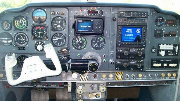 Beech_Bonanza_cockpit.jpg_thumb.7d85c31ae91bbca69f3c3838d14f833e.jpg