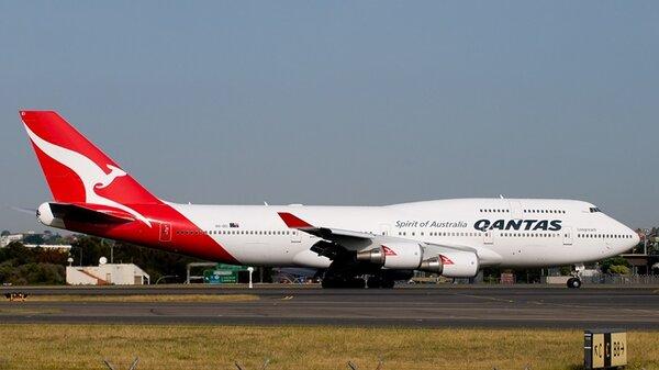 Boeing747-400QantasSYD.jpg_thumb.fbfea94c7d6a032ecbf76d1fa83f5b1e.jpg