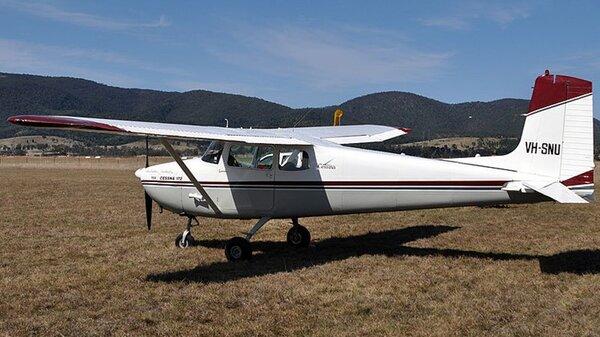 Cessna172AVH-SNU.jpg_thumb.3fd44a21c7a8052a198434ff2036f191.jpg