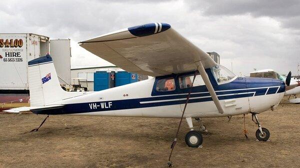 Cessna172AVH-WLF.jpg_thumb.381edbaa079b0f9ae0a4d79d28c612af.jpg