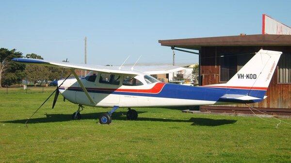 Cessna172HYMMB20090901VH-KOD.jpg_thumb.af1e1322c8081ff73e62160e31d727e4.jpg
