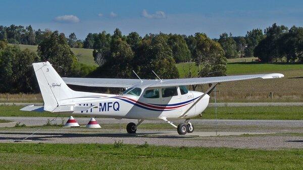 Cessna172PVH-MFQYCEM20120415.jpg_thumb.690139e4029614473c01334ee5a34e39.jpg