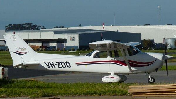 Cessna172SSkyhawkSPVH-ZDOYMMB20110611.jpg_thumb.7b87f883107598e0fa801a2d2add4610.jpg