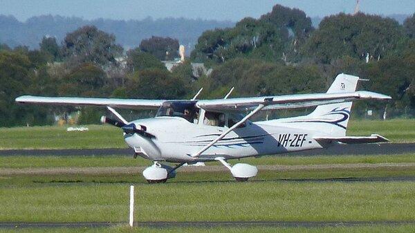 Cessna172SVH-ZEFYMMB20110611.jpg_thumb.36ca144015a339bea04a7c26740e5258.jpg