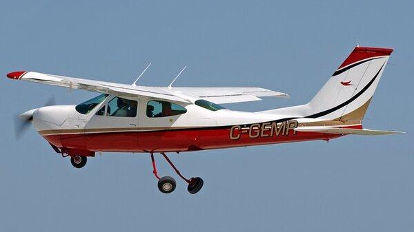 Cessna177RGC-GEMR.jpg_thumb.730903b92228dd4729088d6d7c828d8a.jpg