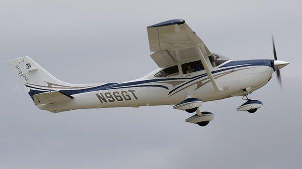 Cessna182T2012N96GT.jpg_thumb.a0d8a99340968b15de6938f63ad41926.jpg