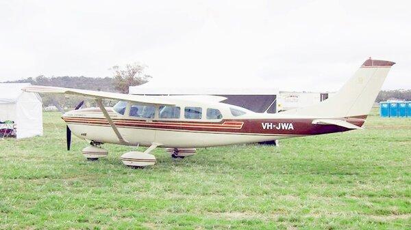 Cessna207StationairVH-JWAYMEL20100320.jpg_thumb.c84f2a2b92f403306d63d5e5a4f5a35e.jpg