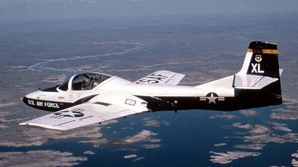 CessnaT-37Tweetairborne.jpg_thumb.ae0f7ffc4b797425d958db0946f9e9a6.jpg