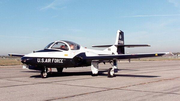 Cessna_T-37B_Tweety_Bird_USAF.jpg_thumb.7afc13ae8977e5729dc1565959517e8e.jpg