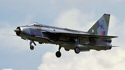 English_Electric_Lightning_F3,_UK_-_Air_Force_AN1029952.jpg_thumb.905dabf12570972e273c340e3dd4e40f.jpg