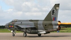 English_Electric_Lightning_F6,_UK_-_Air_Force_AN1102766.jpg_thumb.0227794756c7a5048f8edda1b4f50b5c.jpg
