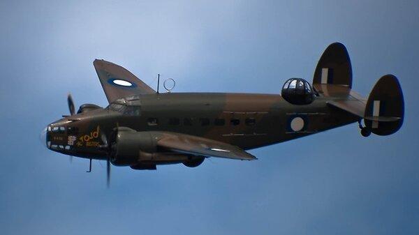 LockheedHudsonTojoBuster.jpg_thumb.547c17ea5129d7d4bfcb826ae56bb516.jpg