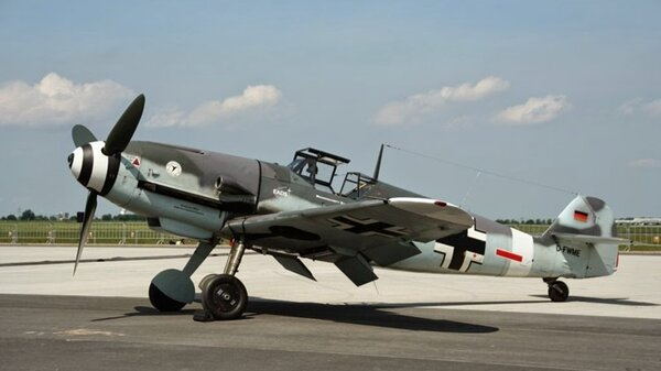 Messerschmitt_Bf_109.jpg_thumb.b23debafe97ad7ad841e7f5ccb7a5697.jpg