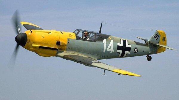 Messerschmitt_Bf_109E2.jpg_thumb.cc1eee5b79b74c687b41da0028fef873.jpg