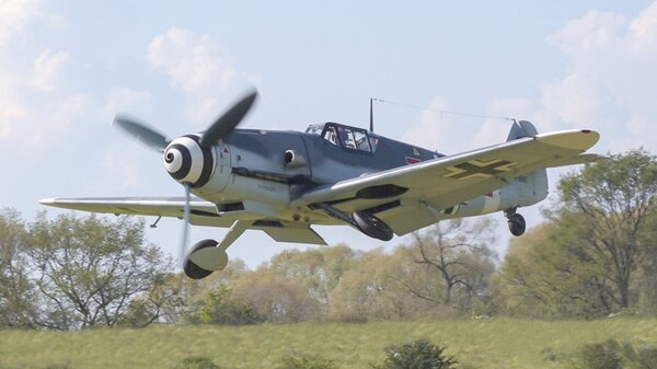 Messerschmitt_Bf_109retracting.jpg_thumb.fa1634c3683399760d1c265d01c01210.jpg