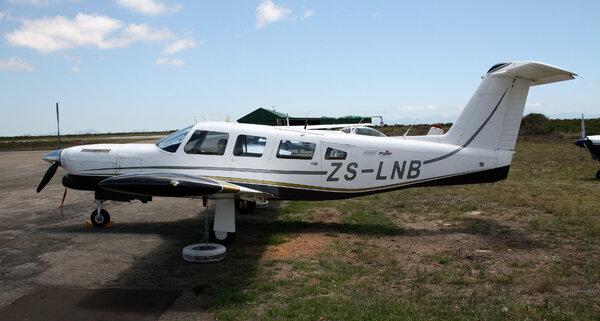 PiperPA-32RT-300TTurboLanceIIZS-LNB.jpg_thumb.6d6decf54f0d89e9726b061ca2612927.jpg