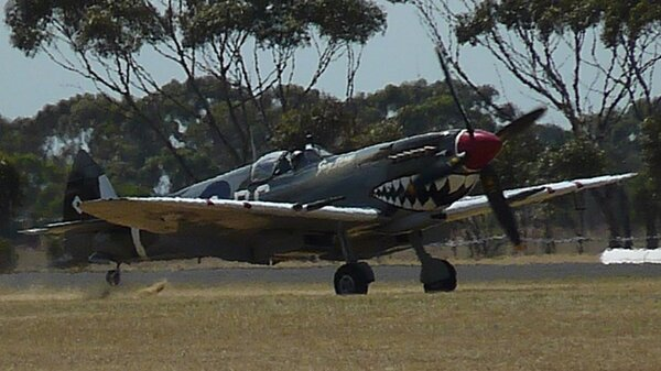 Spitfire-RG-V-YMPC20140302.JPG_thumb.ef887dd146396f8349476a5aba0e3e4a.JPG